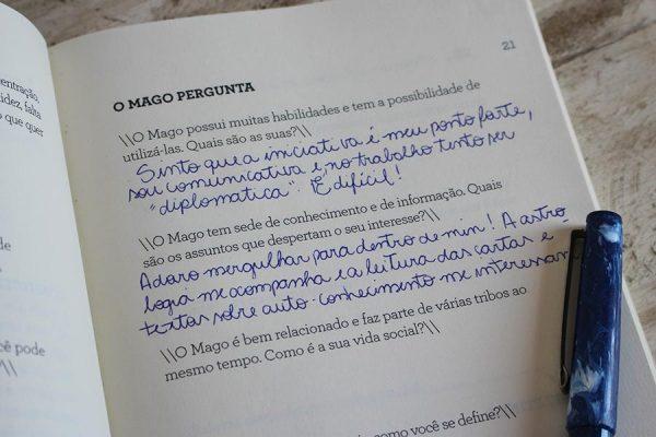 Livro 'Na Rota do Tarô' de Deborah Jazzini
